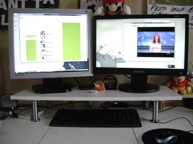 Ikea Brada Supporto per computer nero